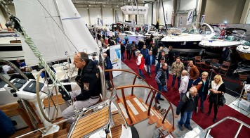 Boatshow 4 (Medium)