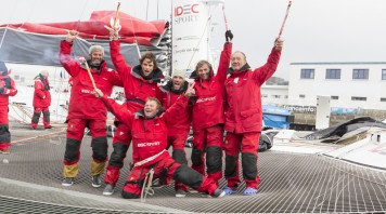 Maxi Trimaran IDEC SPORT, Skipper Francis Joyon and his crew, break the Jules Verne Trophy record, crew circumnavigation, in 40d 23h 30min 30sec, in Brest on January 26, 2017 - Photo Jean-Marie Liot / DPPI / IDEC Sport Celebration with flares for the crew